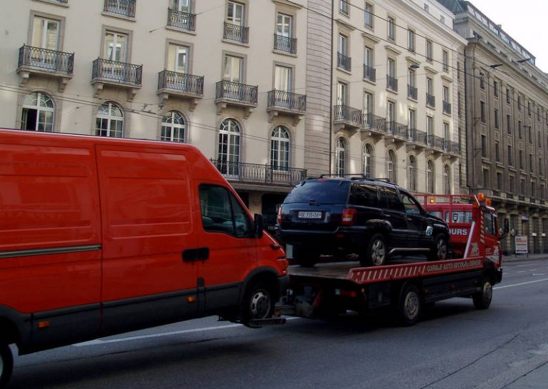 truck tow car two cars switzerland 49942 768x545